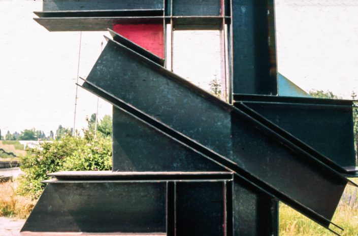 Structure, 1989